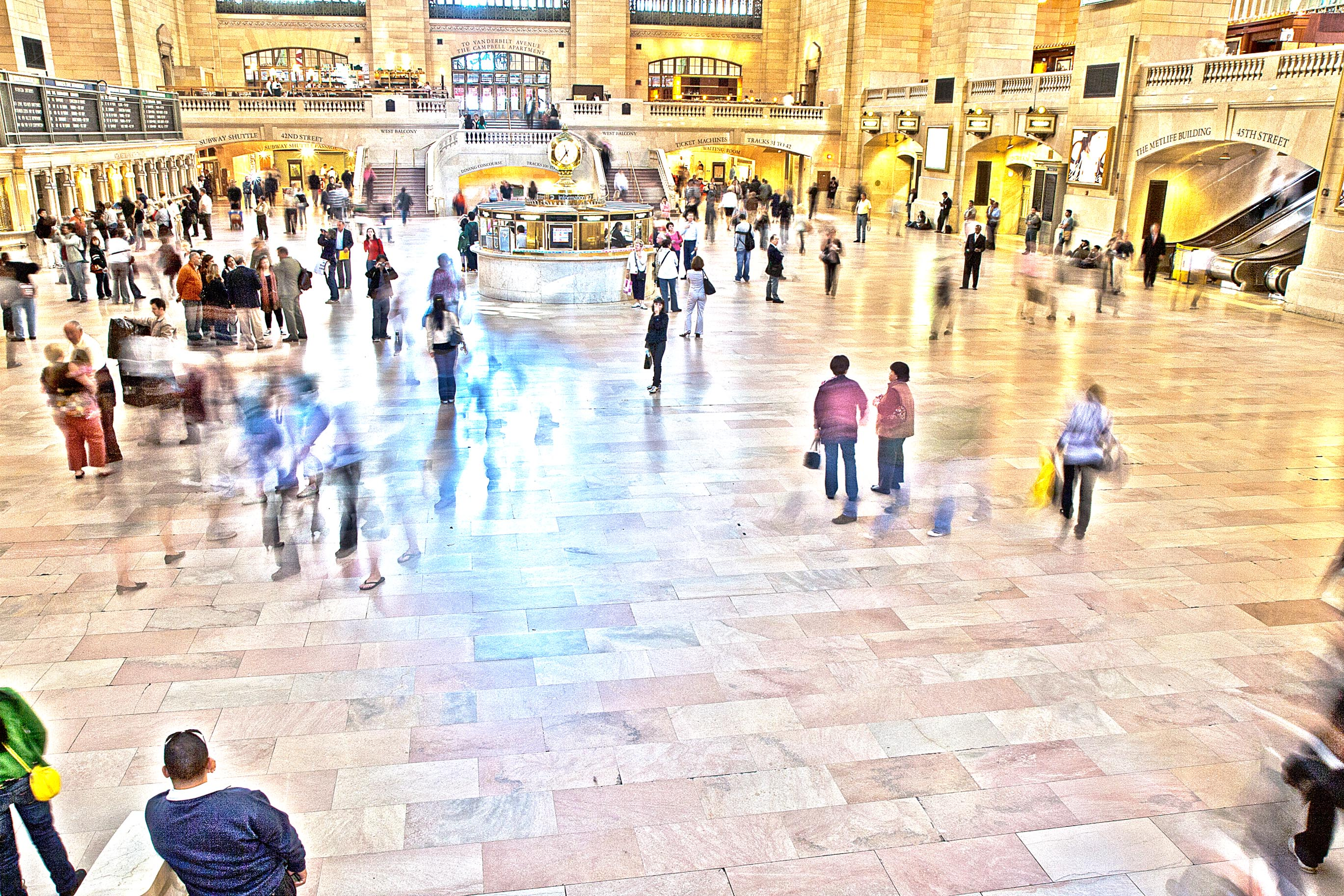 People in Grand Central Terminal – HDR
