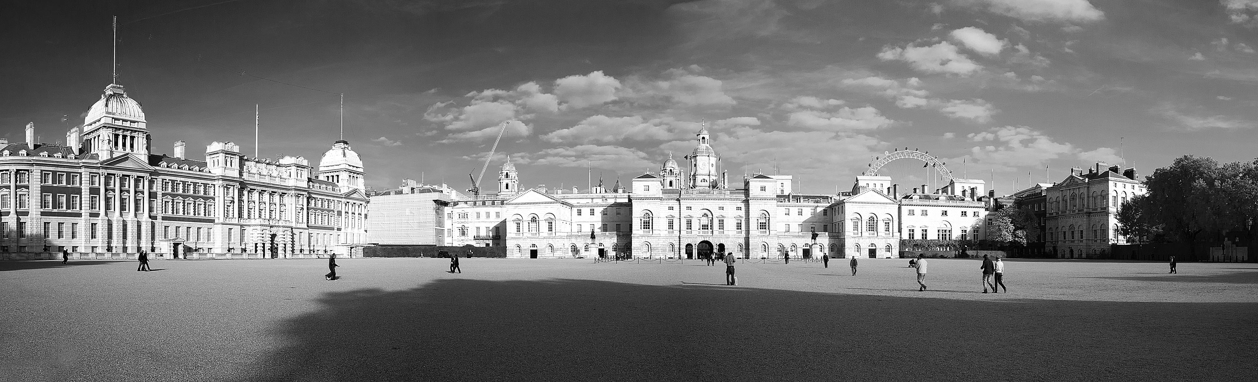 Panoramic view of Horse Guards Parade – BW