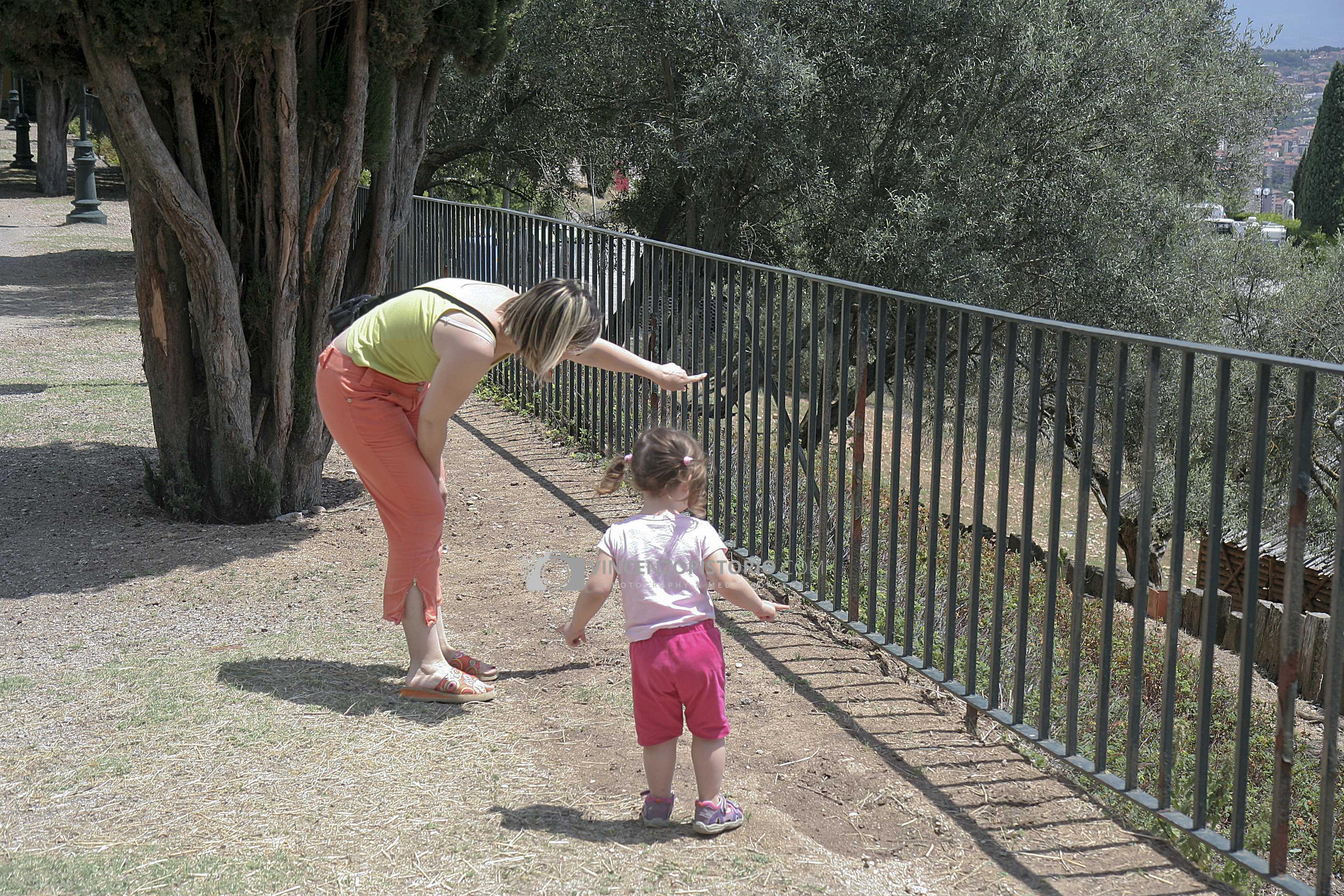 Silvia and Elisa at park