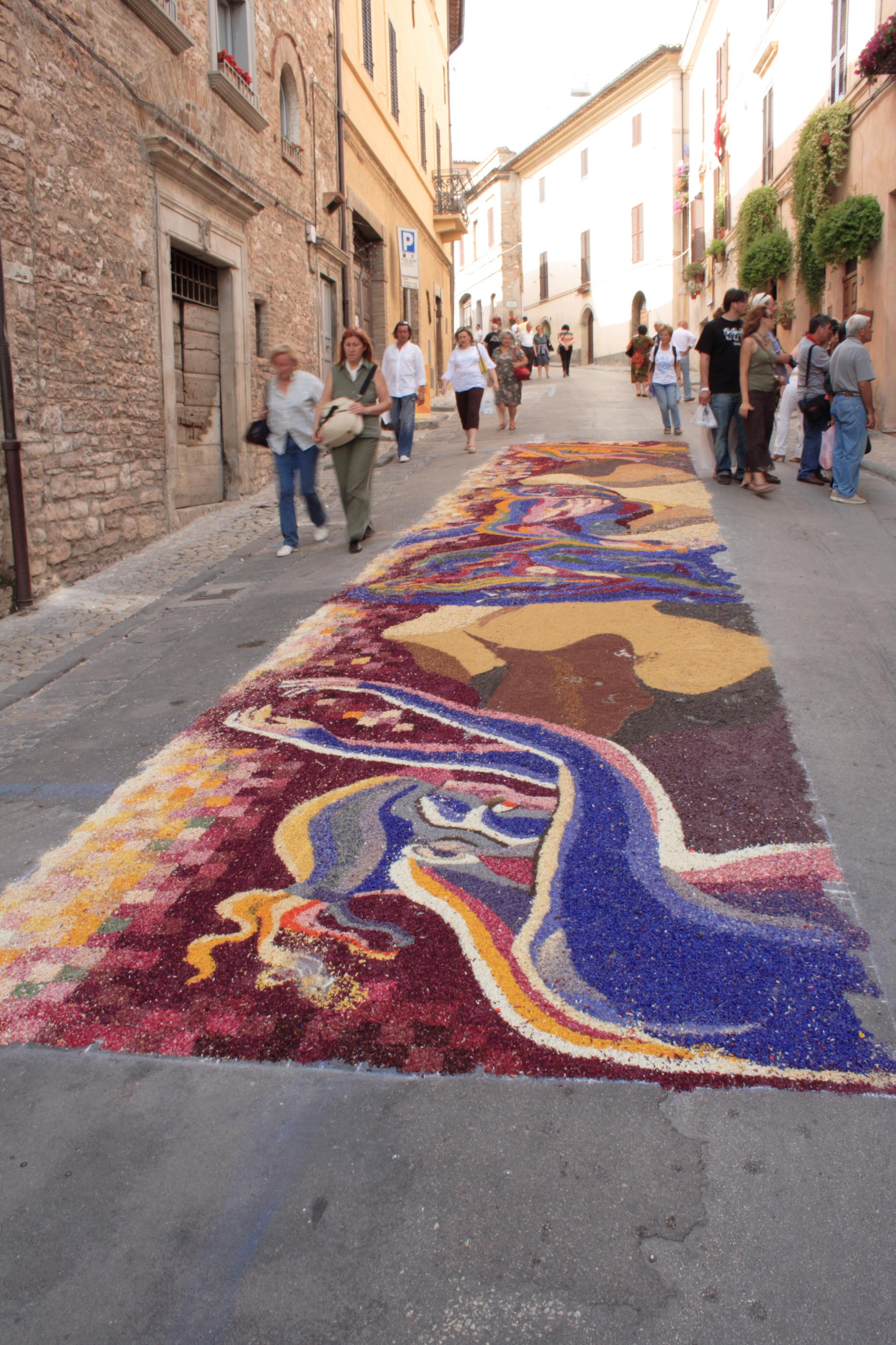 A flower composition on via Consolare